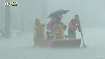 RTL Nieuws Straten als rivieren door overstromingen Manilla