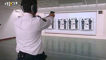 RTL Nieuws Nieuwe dienstpistool politie 'levensgevaarlijk'