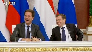 RTL Nieuws Medvedev: 'geen banden met Khadaffi'