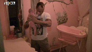 Barbie's Baby - Angelina Poept En Spuugt
