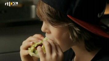 RTL Nieuws Moeder houdt jongen thuis en op rauw dieet