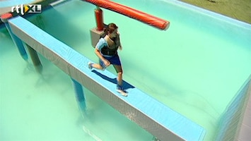 Wipeout Eveline de voetbalster