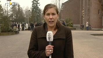 RTL Nieuws '28 lijkwagens staan te wachten'