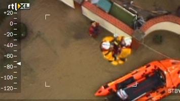 RTL Nieuws Caravanpark overstroomd; 150 mensen gered