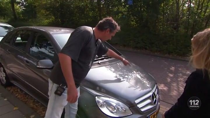 Tientallen auto's bekrast in Rhoon
