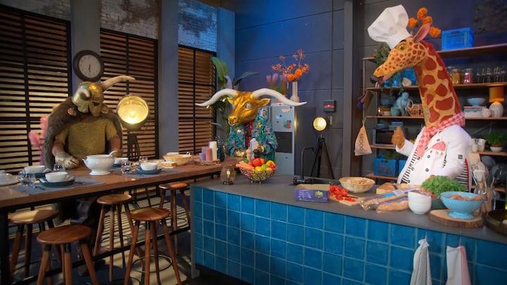 De hints uit de dinner room van The Masked Singer