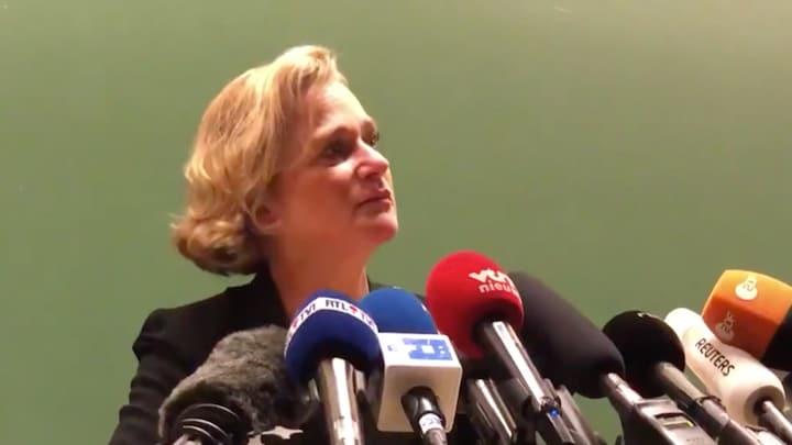 Geëmotioneerde Delphine Boël breekt tijdens persconferentie