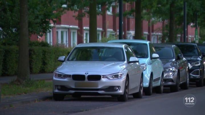 Luxe auto's compleet gestript in Rotterdam