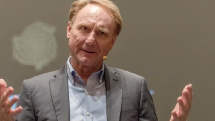 Da Vinci Code-auteur Dan Brown had affaire met Friezin