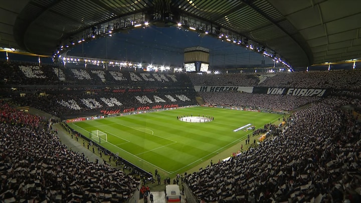 Heerlijke sfeeractie bij opkomst Eintracht Frankfurt