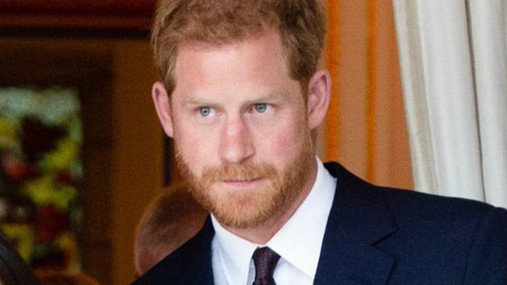 'Prins Harry haalt in podcast uit naar opvoeding door Charles'