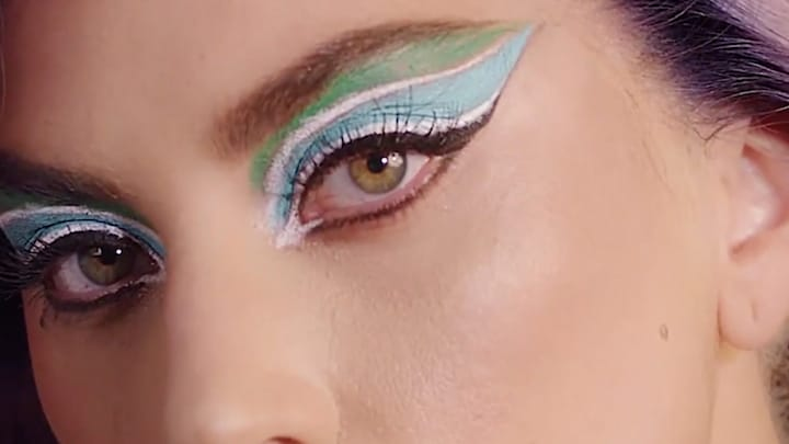 Dé trend van het moment: bizarre eyeliner