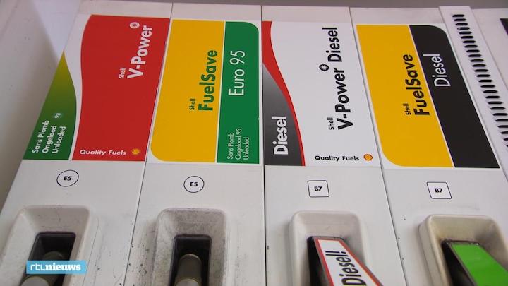 Nieuwe stickers op benzinepompen, maar snappen we ze ook?