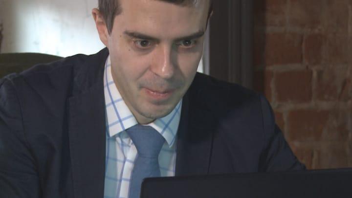 Deze Russische journalist graaft naar waarheid MH17