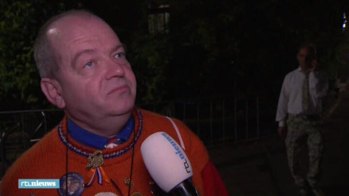 Vroege fans in Den Haag: 'Ik voel me pas fijn als ik het dranghek vast heb'