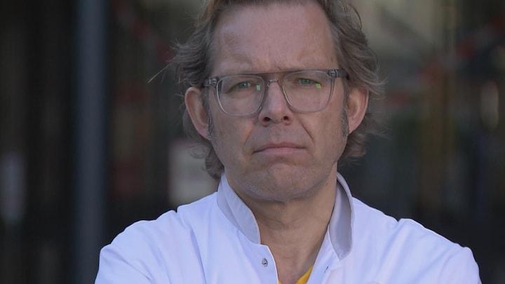 Arts filmt werk op de intensive care in coronacrisis: 'Dit is bijna surrealistisch'