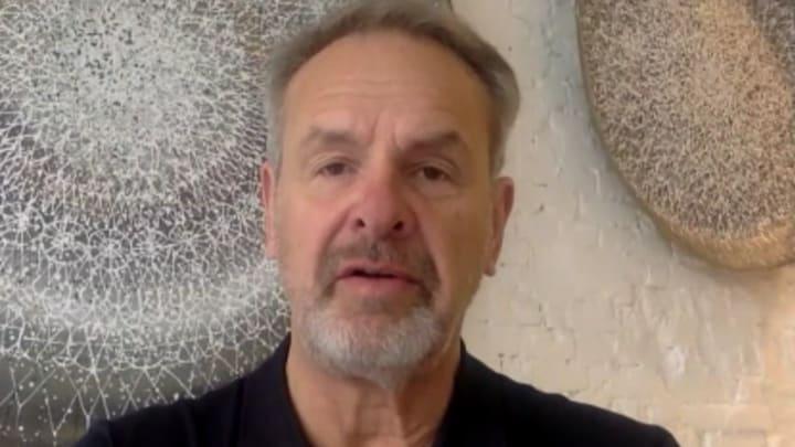 Bert Kuizenga na lang ziekbed terug op de buis: 'Net als fietsen'
