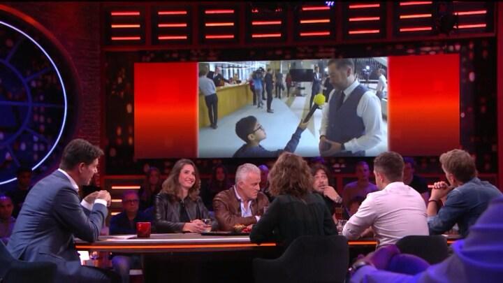 Klaas Dijkhoff overvallen door vraag asielkind: 'Ja, dus?'