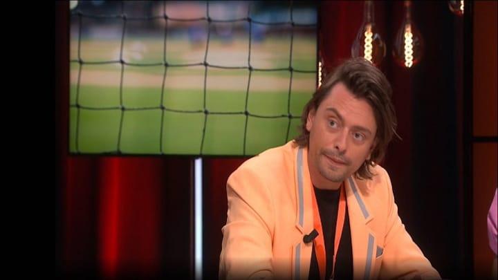 Stefano fotografeert de Oranje fan!