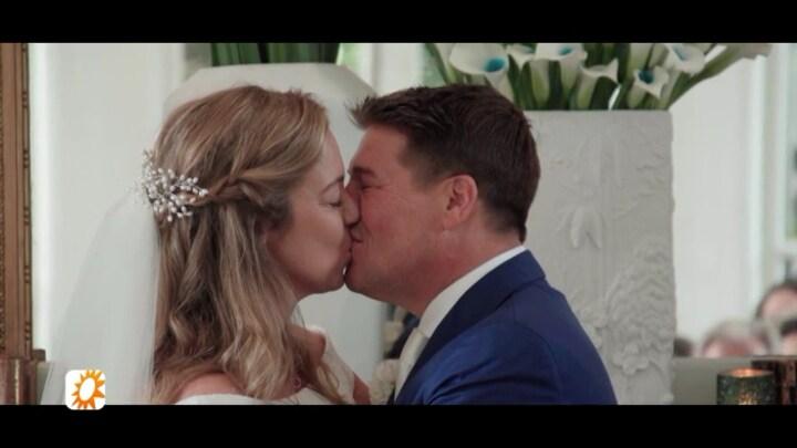 Martijn en Deborah blikken terug op huwelijk: 'Zó mooi alles'
