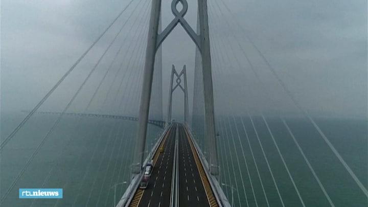 Langste zeebrug ter wereld, maar Hongkong is niet blij: 'Het is een prestigeproject'