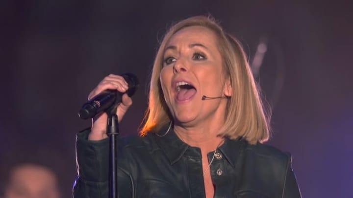 Angela verrast Berget met klassieker van Tina Turner