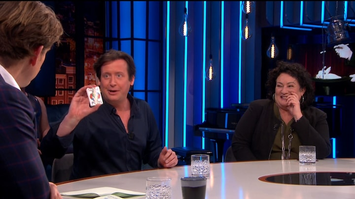 Steven Kazan shockeert Caroline van der Plas