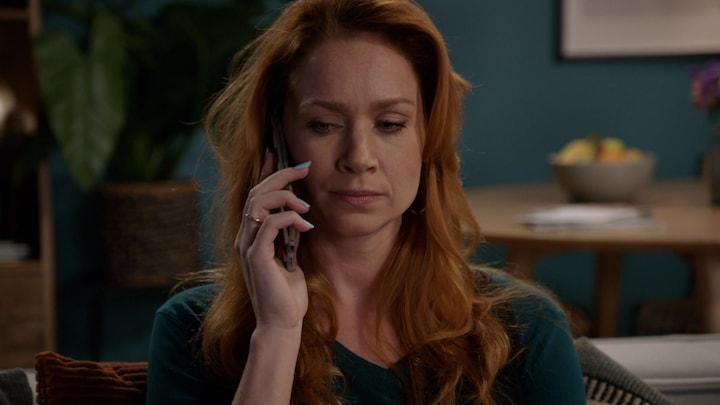Billy neemt contact op met Shanti