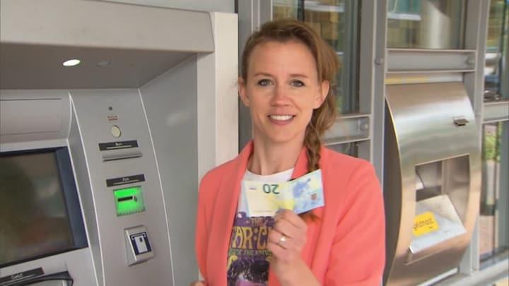 Pinnen zonder pasje: verdwijnt portemonnee uit straatbeeld?