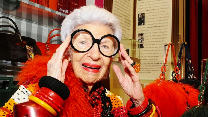 Mode-icoon Iris Apfel 100 jaar: 'Ongelofelijk groot voorbeeld'