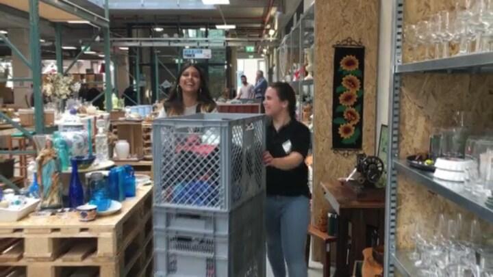 Winkel waar spullen én personeel tweede kans krijgen
