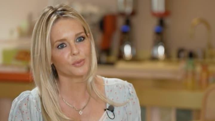 Chantal Janzen emotioneel op Duitse tv