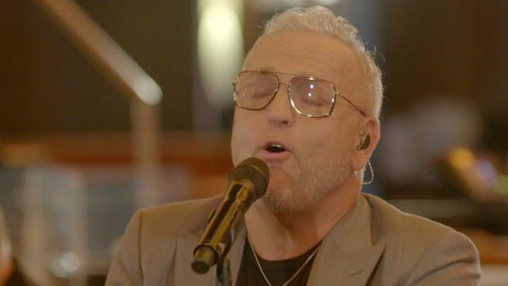 Niks never nooit meer: Gordon pakt het zingen weer op